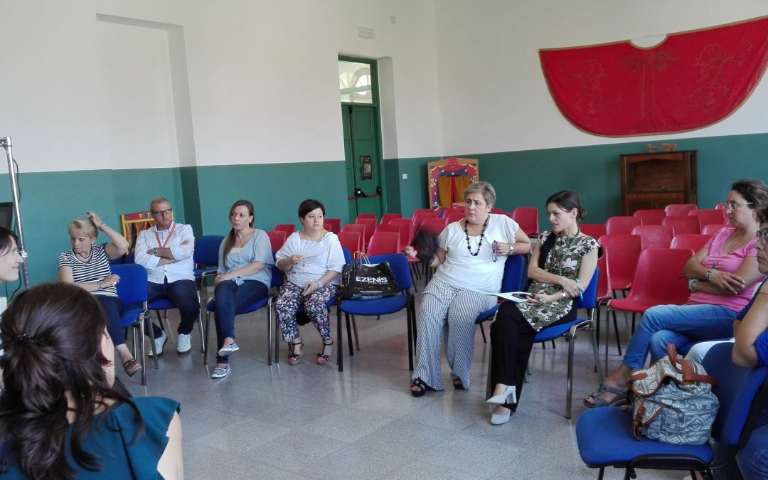 Educating community against educational deprivation: teachers start programming on DAPPERTUTTO